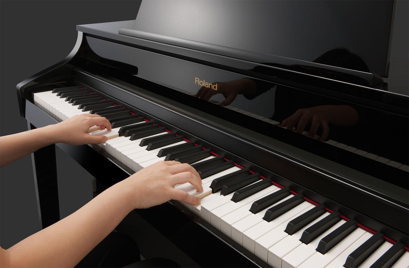 Roland - HP-507  SuperNATURAL Piano