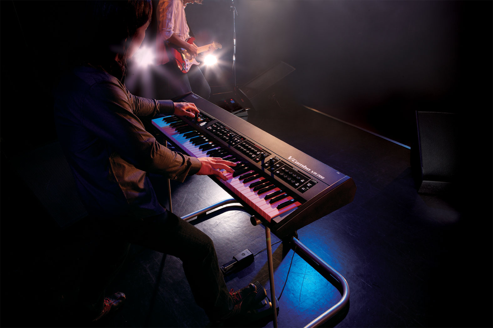 roland vcombo vr700 stage keyboard