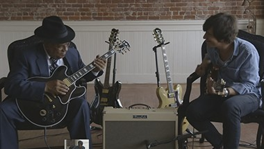 featured-video:Blues Cube Performance