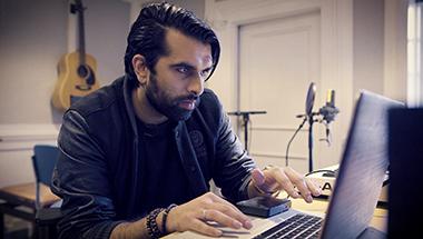 featured-video:Artist Röportajı: Kaz Rodliguez