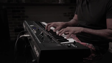 featured-video:VR-09-B Vintage Electric Piano Sound Preview