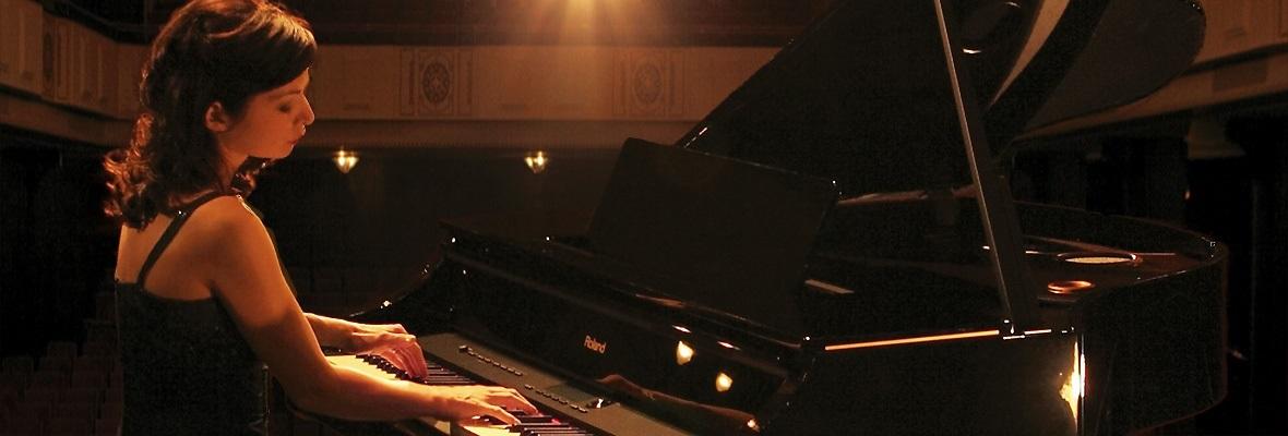 Grand Pianos Category